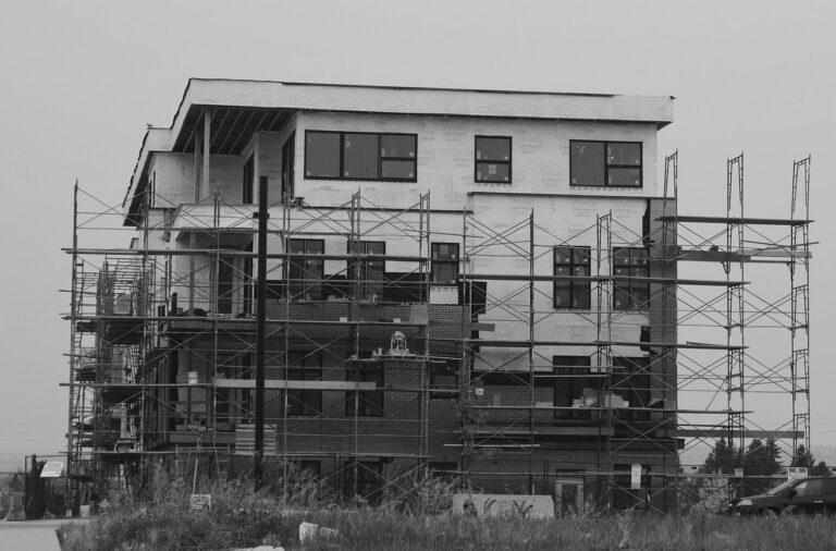 Czy da się zbudować mieszkania ustawą?